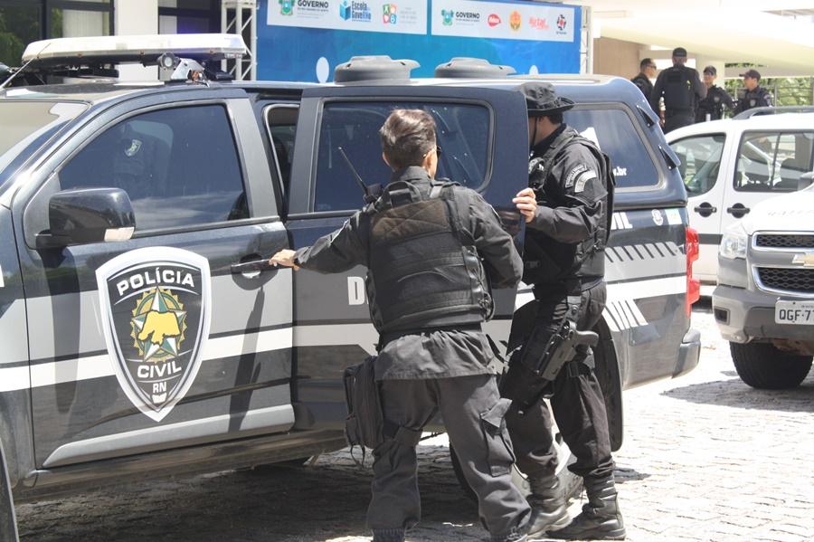 Resultado de imagem para Polícias Civil e Federal prendem chefe de facção criminosa em pousada de luxo no litoral potiguar